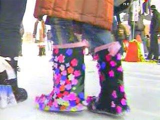 В Кудымкаре придумали новый вид олимпийского спорта - запрыгивание в валенки