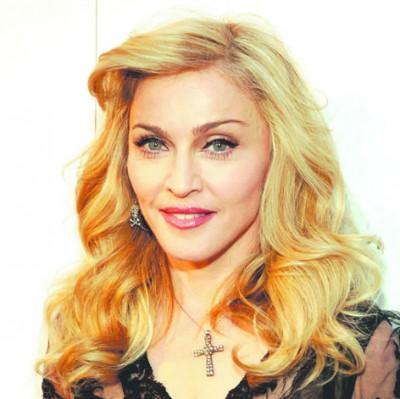 Родной отец удочеренных дочерей Мадонны объявил опохищении своих детей