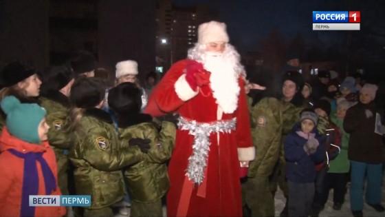 В гости к детям пришел Дед Мороз в погонах