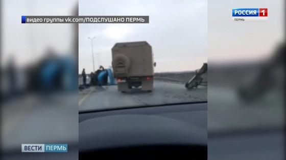 Возле Красавинского моста «Газель» врезалась в трактор