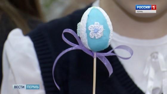 Почти Фаберже: школьники украшают пасхальные яйца