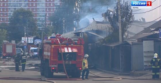 Подробности тушения пожара на Центральном рынке Перми. Продавцы подсчитывают убытки
