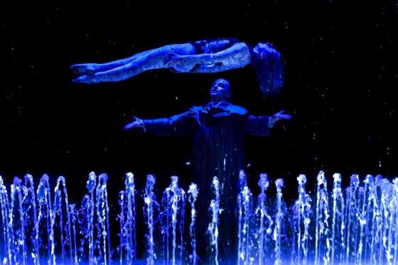 Огонь, вода и свет - в одном шоу на арене Пермского цирка