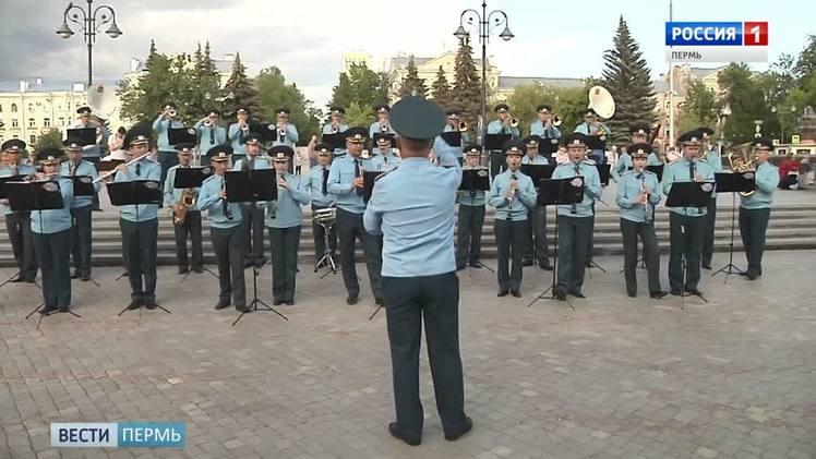 """""""Фанфары Победы"""": в Перми открывается фестиваль военных и духовых оркестров"""