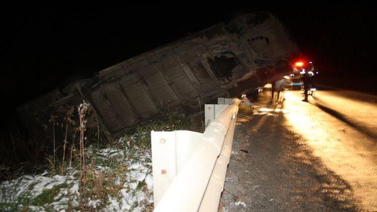 В ДТП с микроавтобусом один человек погиб, трое пострадали