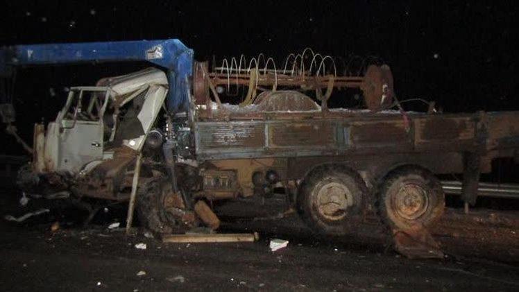 В Прикамье столкнулись КамАЗ и внедорожник - погибли оба водителя