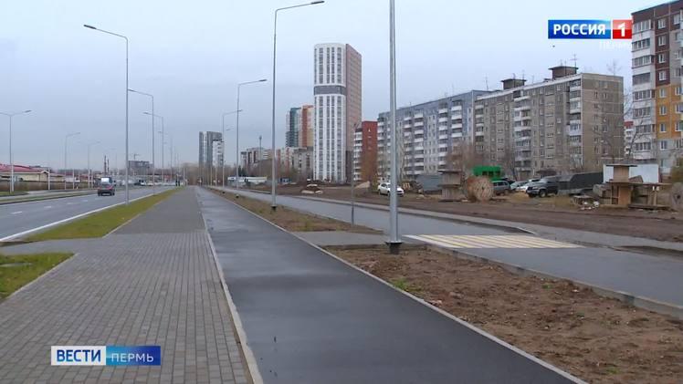 На участке улицы Строителей открыто четырехполосное движение